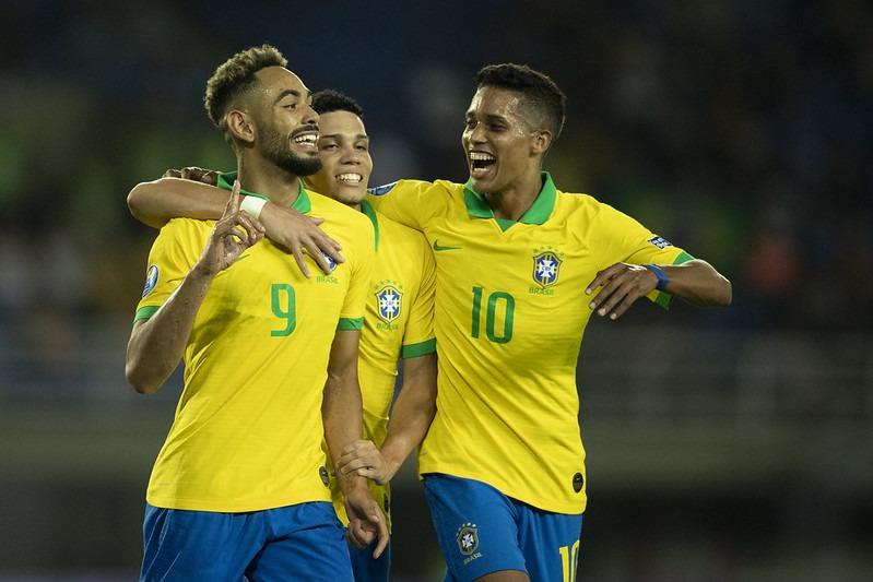 Seleção Brasileira joga bem e triunfa por 3 a 1