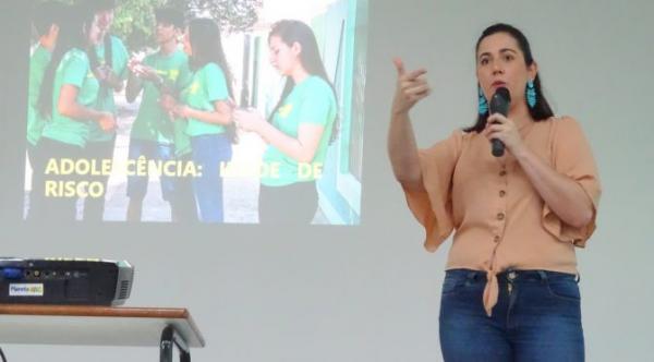 Educação oferece palestras com temas relacionados à violência e saúde mental