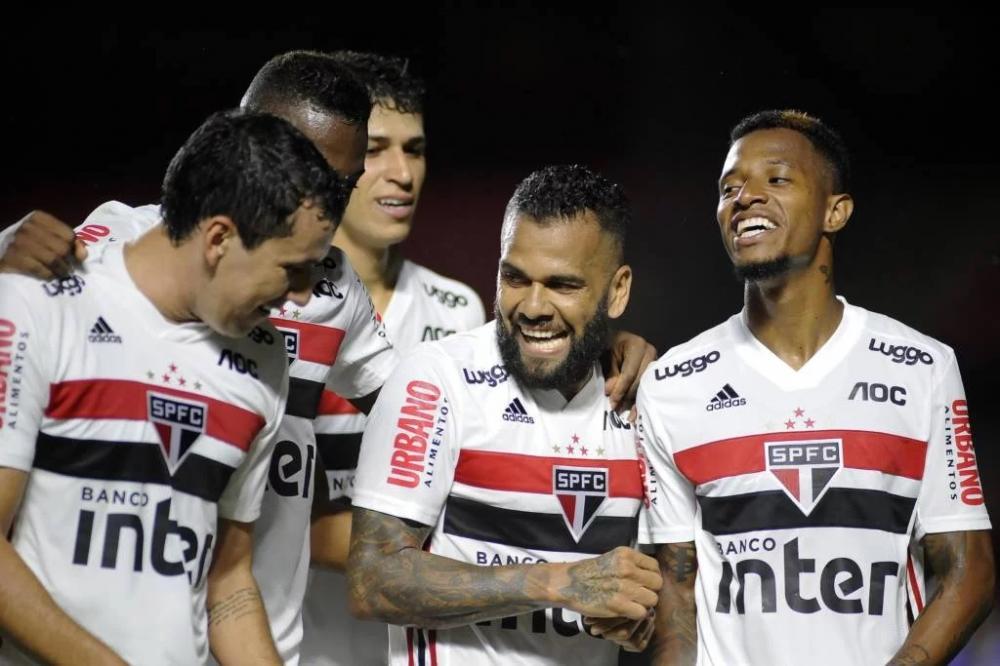 Pablo e Daniel Alves marcaram os gols do jogo (Foto: Alan Morici/Agif/GPress)