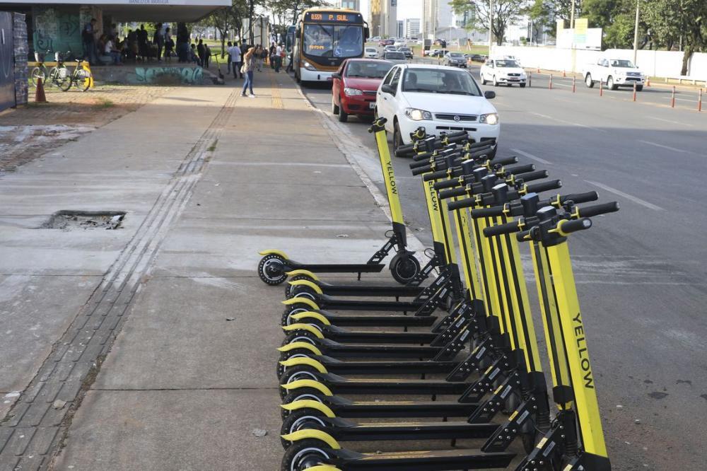 Empresa de patinetes e bicicletas encerra atividade em 14 cidades