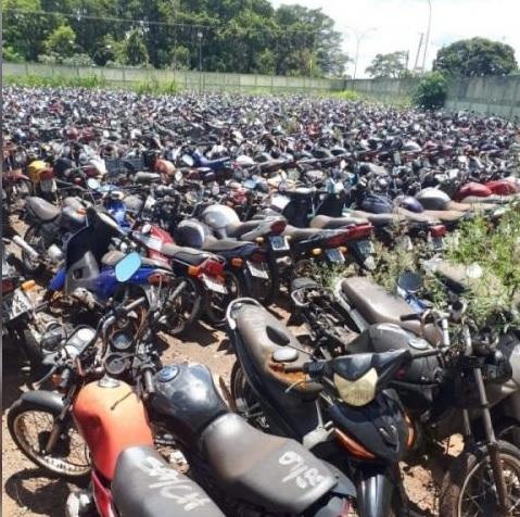 Motocicletas no pátio do Detran (Foto: Divulgação)