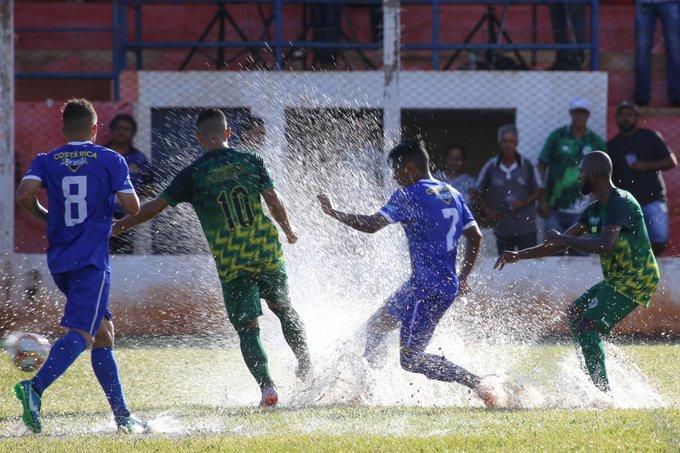 Choveu muito antes da partida do Pontaporanense contra o Costa Rica no Estádio Aral Moreira
