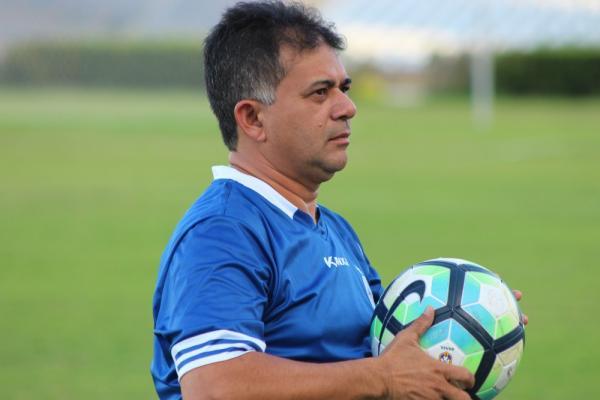 Presidente do Parnahyba, Batista Filho (Foto: Arthur Ribeiro/GloboEsporte.com)