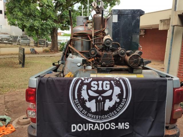 Motor apreendido na propriedade do suspeito. (Foto: Divulgação/Polícia Civil)