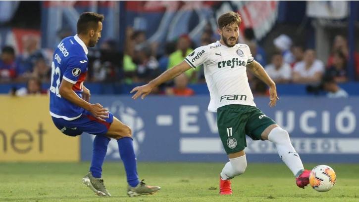 Matías Viña foi anunciado no Palmeiras no dia 31 de janeiro (Foto: Cesar Greco)