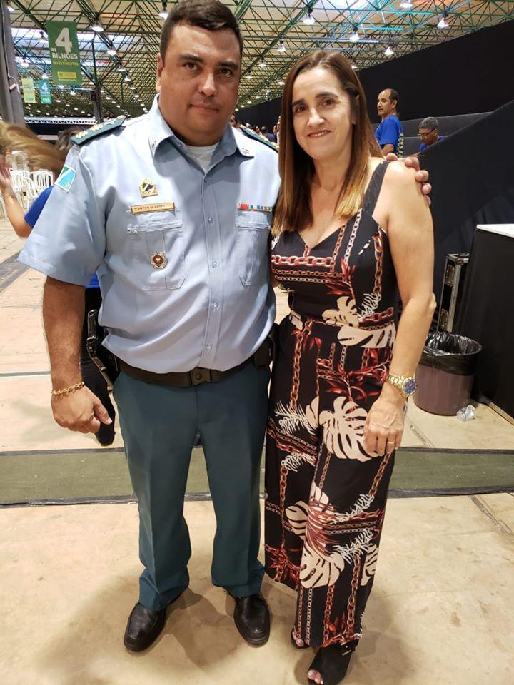 Presidente da Câmara Municipal, Cecília Cáceres, juntamente com o comandante da PM, tenente-coronel Carlos Magno