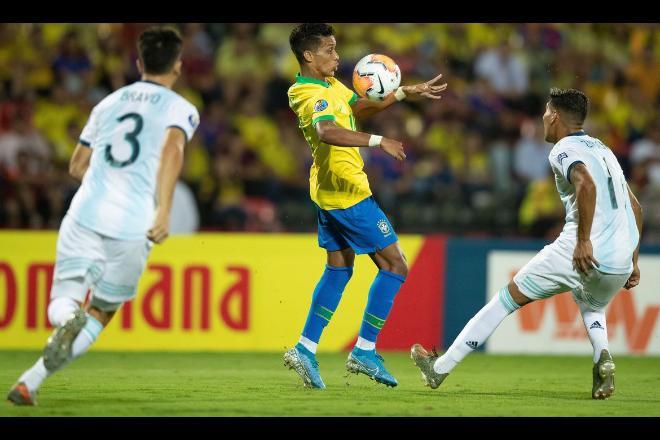 Jogador Pedrinho durante partida da Seleção Olímpica contra a Argentina - Lucas Figueiredo/CBF