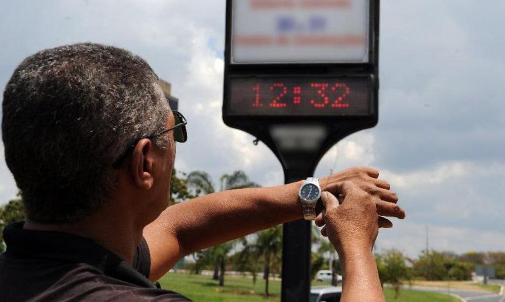 Ministério de Minas e Energia mantém recomendação para extinguir horário de verão