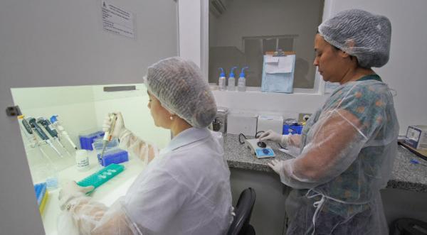 Lacen aumenta capacidade de exames de diagnóstico
