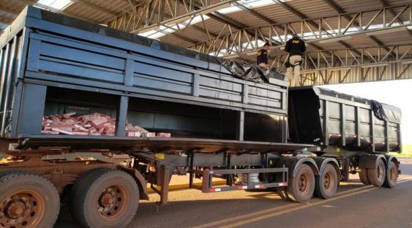 PRF apreende 1,5 tonelada de maconha em fundo falso