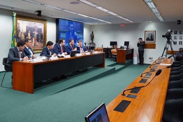 CCJ da Câmara aprova admissibilidade da proposta de reforma tributária