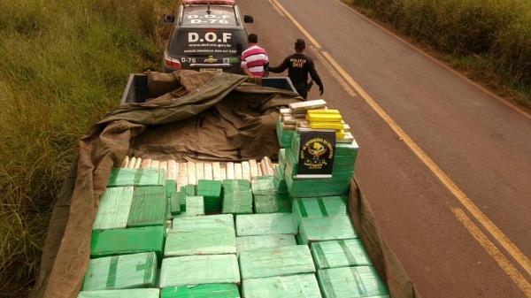 Caminhão carregado com maconha que seria levada para Goiás é apreendido