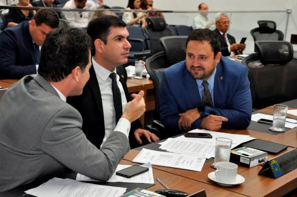 Assembleia oficializa criação da Frente Parlamentar em Defesa da Juventude