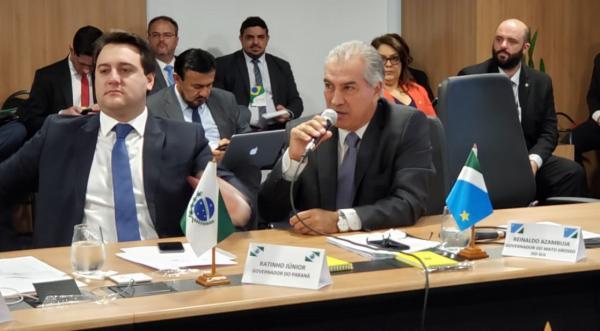 Governador Reinaldo Azambuja durante o Fórum dos Governadores