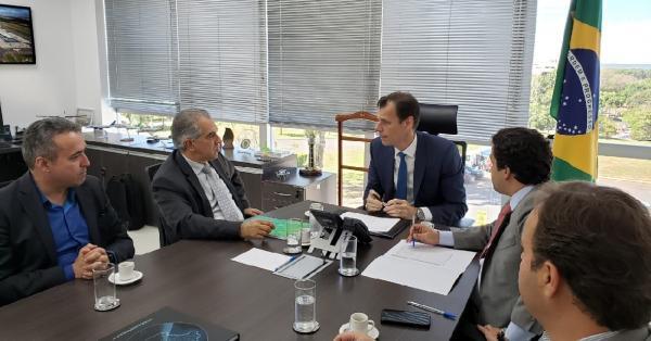 Governador viabiliza recursos para obras em quatro aeroportos de MS