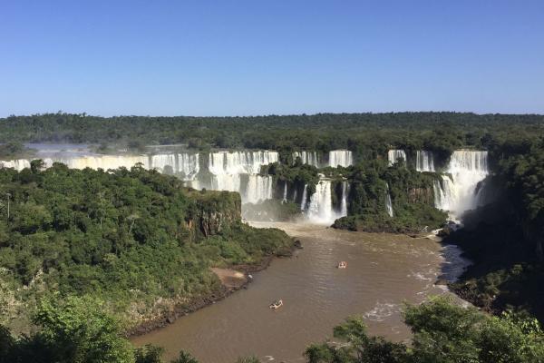 PF combate práticas ilegais de câmbio em agências de turismo de Foz