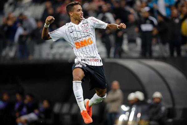 Conmebol elege gol de Pedrinho contra o Wanderers como mais bonito da semana