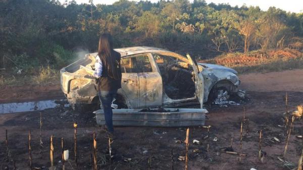 Polícia encontra veículo incinerado com corpo dentro em Ponta Porã