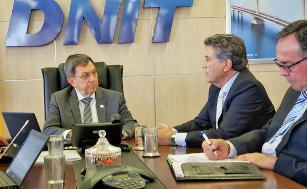 Governador em exercício Murilo Zauith discute manutenção de rodovias em Brasília