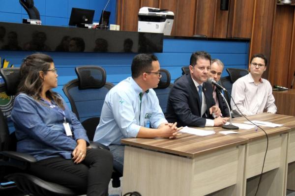 Coordenador-presidente da Frente Parlamentar de Recursos Hídricos, deputado Renato Câmara empossou nesta terça-feira representantes de 30 instituições como membros do grupo de trabalho - Foto: Toninho Souza