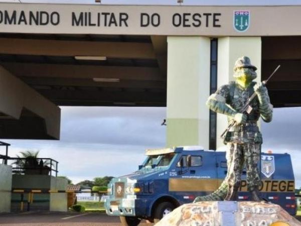 Bolsonaro fala em crise, mas Exército gasta 1,2 milhão com brindes em MS