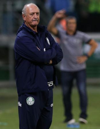 Felipão exalta vitória em casa e já mira quartas de final contra Novorizontino