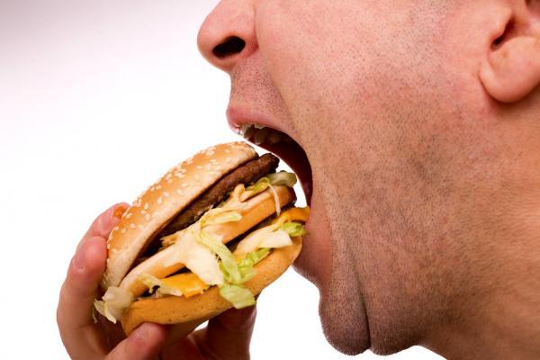 Saúde discute ações para combater a obesidade