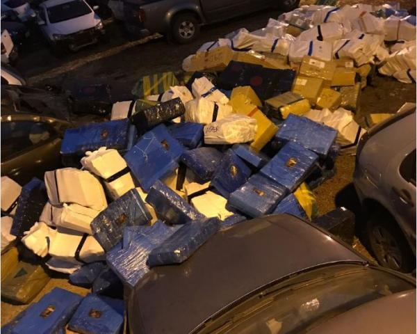 Polícia Civil encontra 8 toneladas de maconha em depósito em Ponta Porã