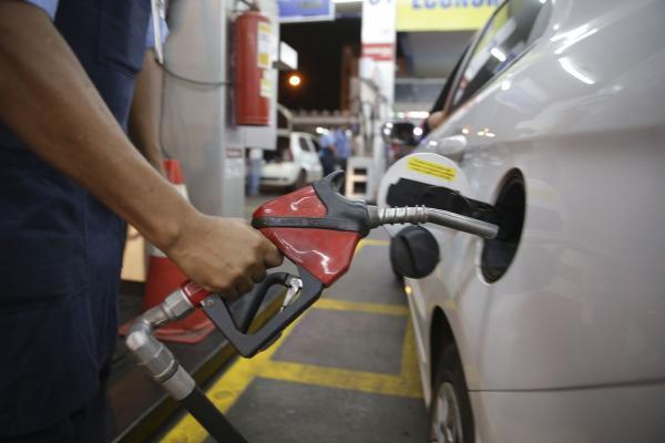 ANP se diz atenta quanto a abusos em preços de combustíveis