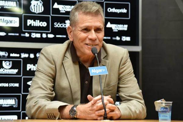 """Autuori diz que """"a verdade"""" pode fazer Sampaoli ficar no Santos"""