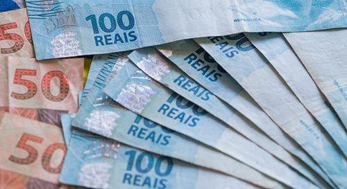 Rendimento médio mensal de brasileiros mais ricos cresceu 8,4%