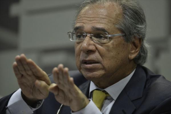 Emendas impositivas vão estourar teto de gastos, avalia Paulo Guedes