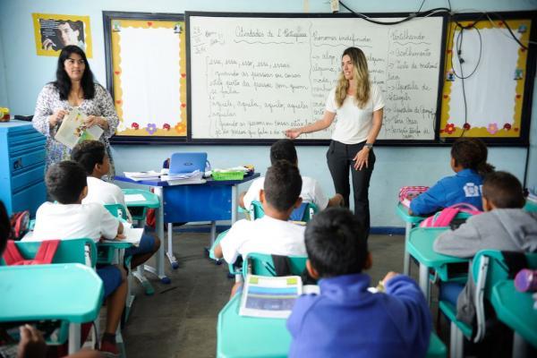 Mais de 95% das crianças brasileiras frequentam escola, diz pesquisa
