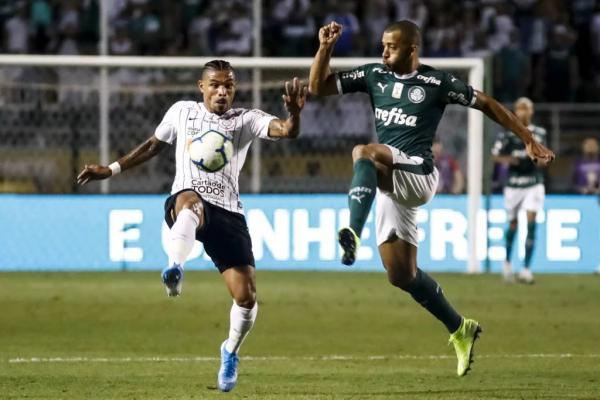 CBF altera horário da partida entre Corinthians e Inter em Itaquera