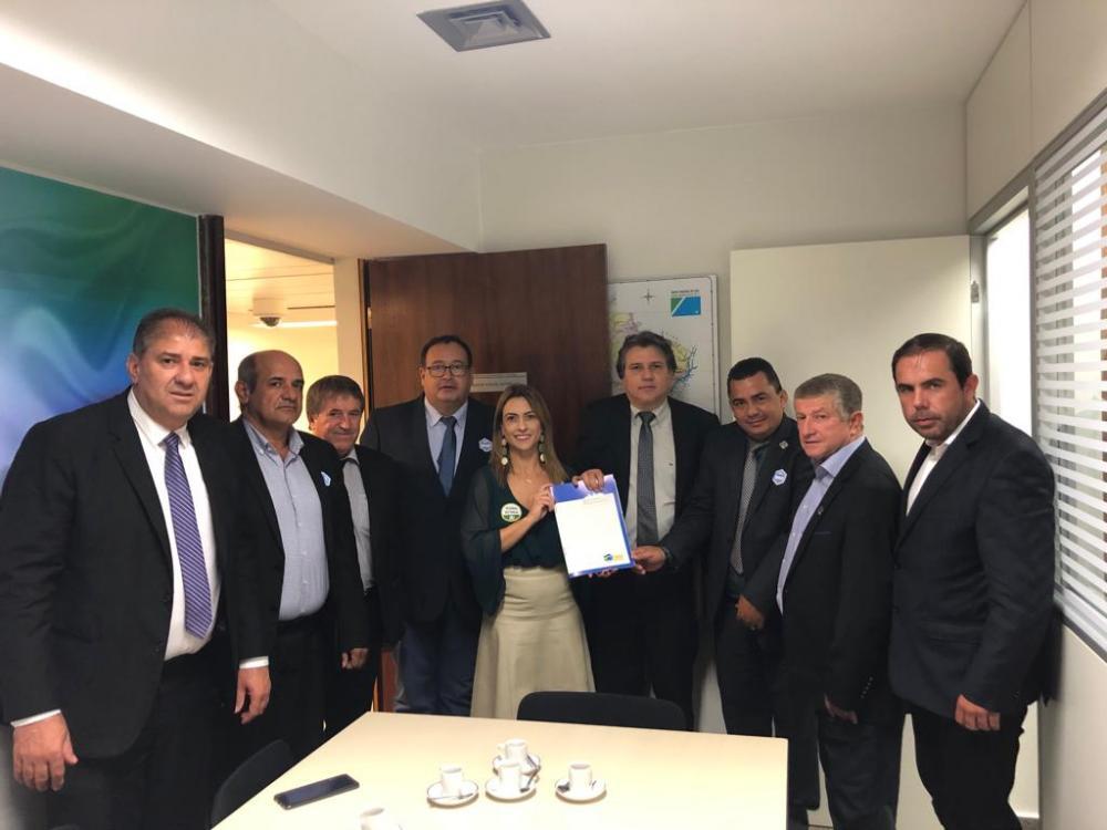 Os prefeitos se reuniram com a senadora Soraya Thronicke (PSL-MS)