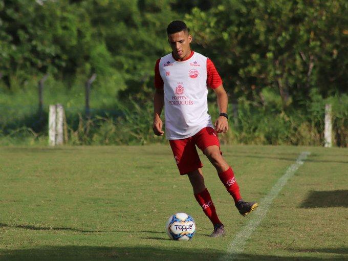 Náutico confirmou que o atacante Thiago foi negociado com o Flamengo