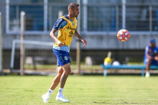 Luan comemora retorno de Geromel e quer Grêmio concentrado diante do Católica