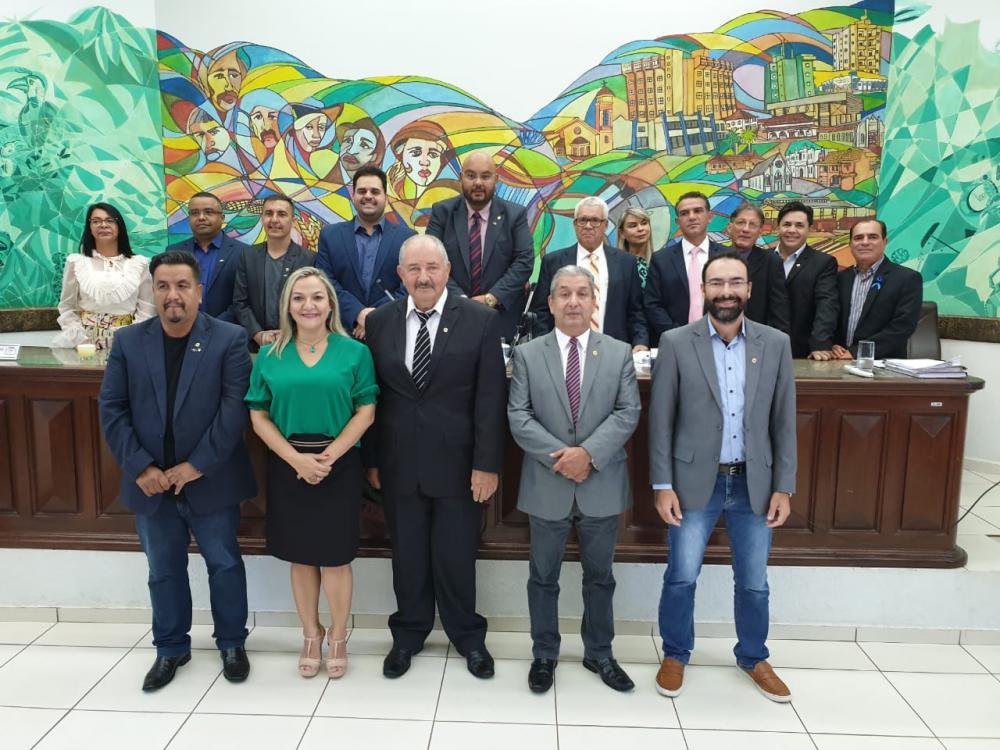 Nova Mesa Diretora da Câmara de Ponta Porã será formada pelos vereadores Rony Lino (Presidente), Anny Espínola (1ª vice-presidente), Paulinho Roberto do PT (2º vice-presidente), Candinho Gabínio (1º secretário) e Prof. Dr. Daniel Marques (2º secretário)
