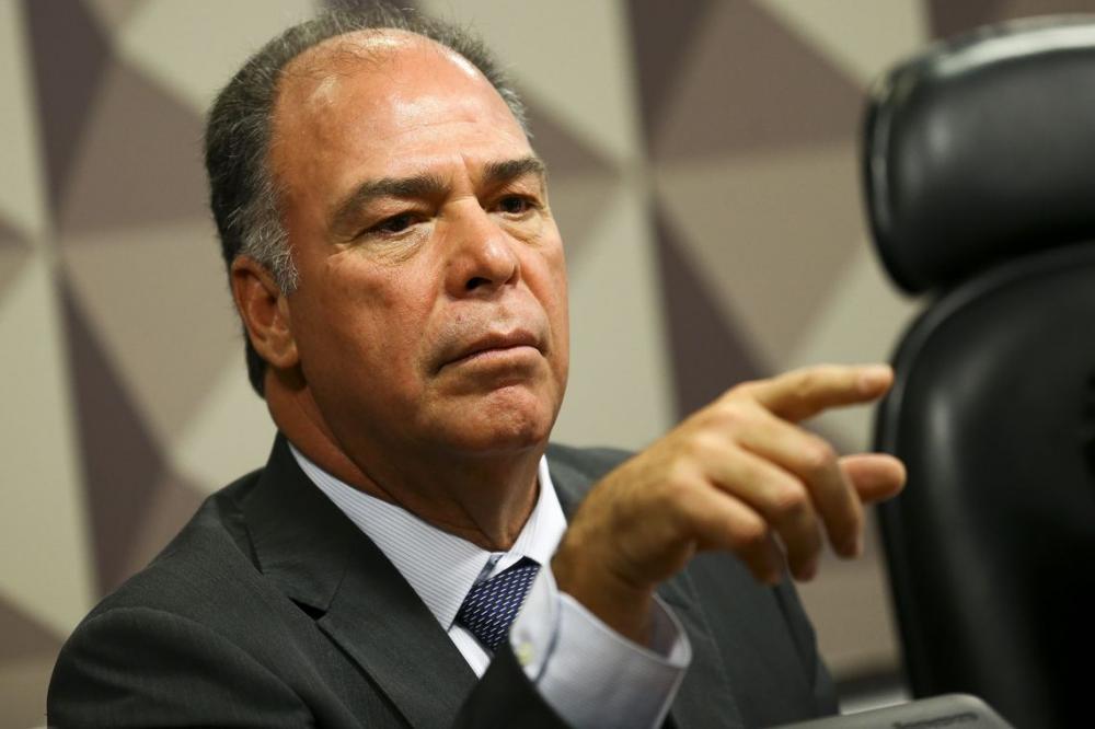 Senador Fernando Bezerra Coelho, líder do governo